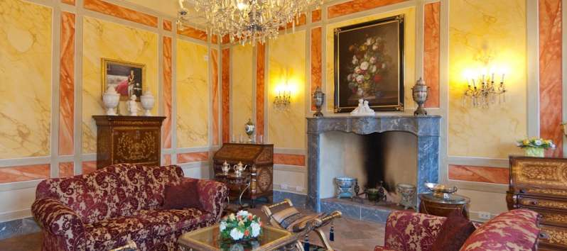 Villa Chiara living room decorated in sumptuous style