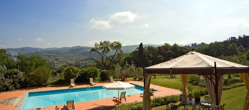 Villa Evan  is nestled in Tuscan hills surrounded by olive groves, vineyards and woods