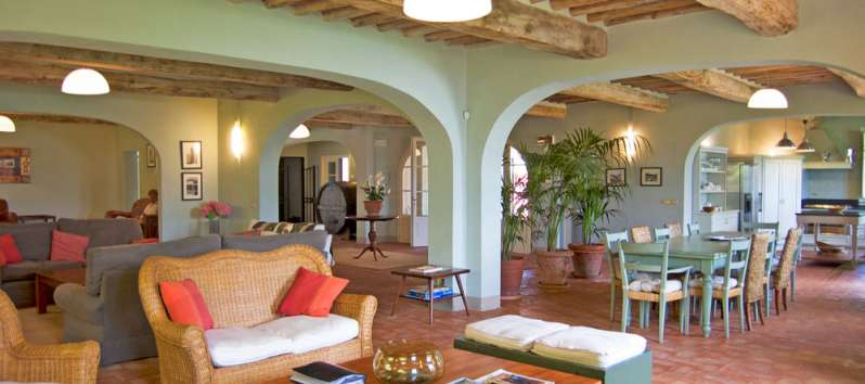 Villa Gelsomino view of the living area with terracotta tiled floors