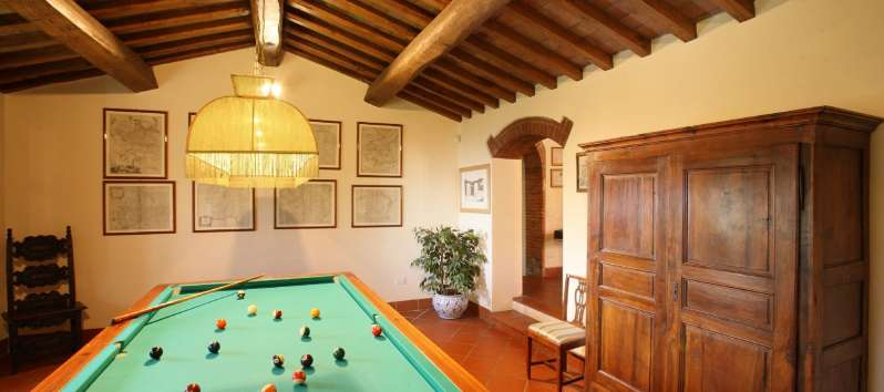 Villa Luna billiard room