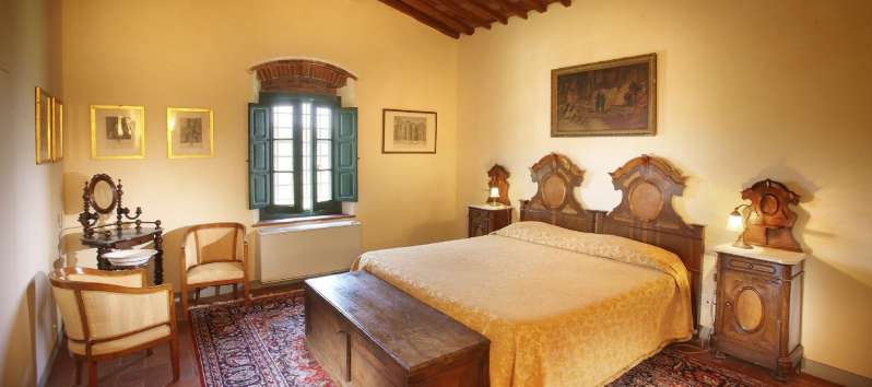 Villa Luna master room with genuine antique furmiture