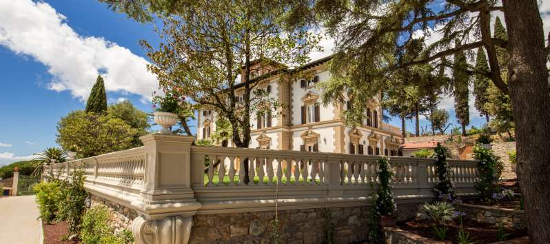 Majestic villa in Tuscany
