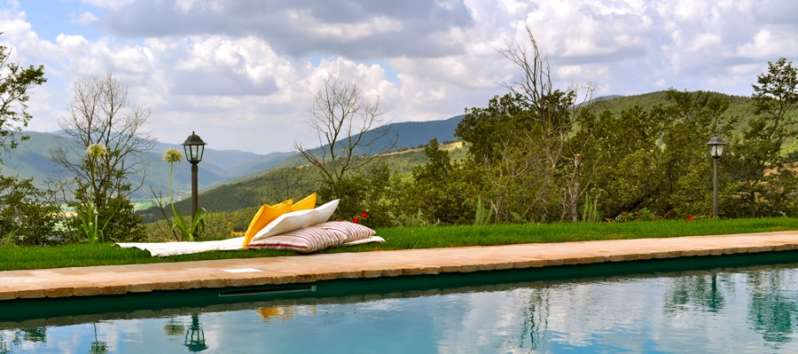 villa with pool in Perugia