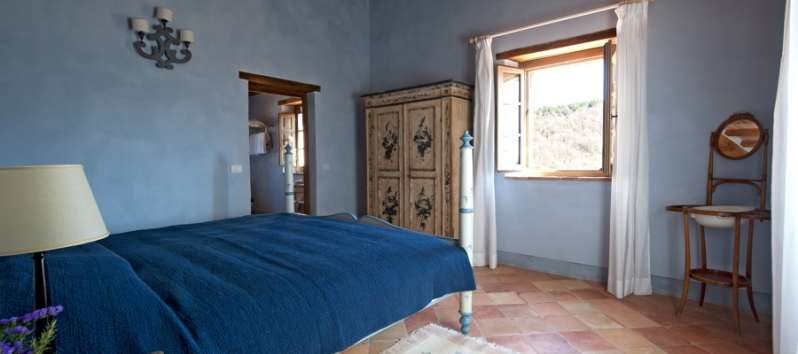 bedroom with window in the villa in Perugia