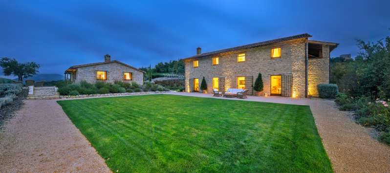 villa with garden in Umbria