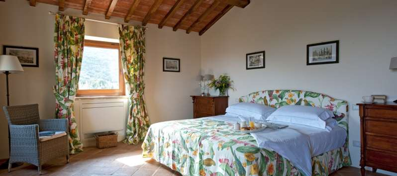 double bedroom with panoramic view in Perugia