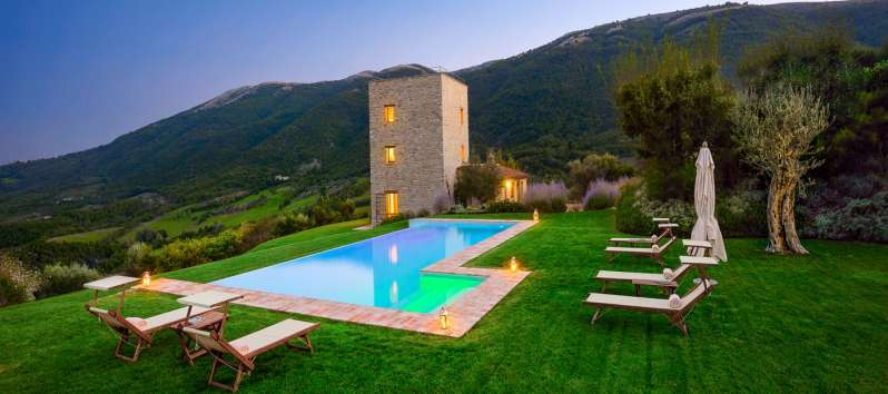villa with pool and garden in Perugia