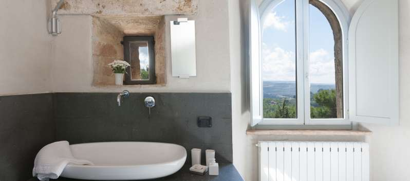 bathroom with a panoramic view from the villa of Perugia