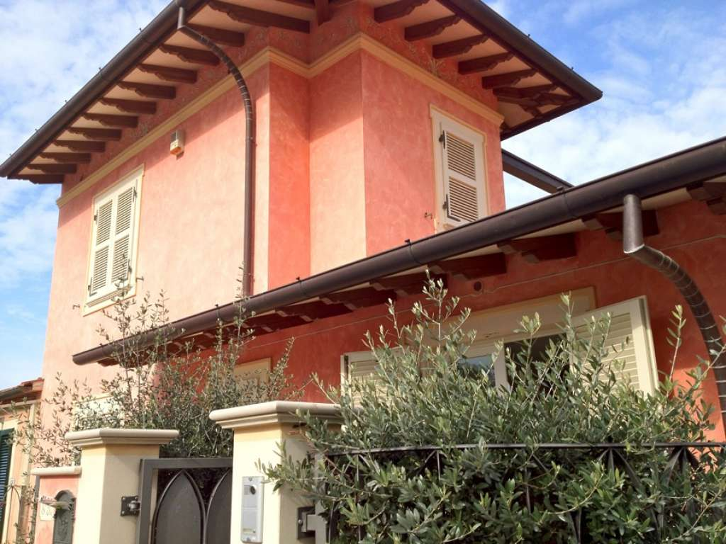 Cottage Nicole Modern House For Rent In Forte Dei Marmi