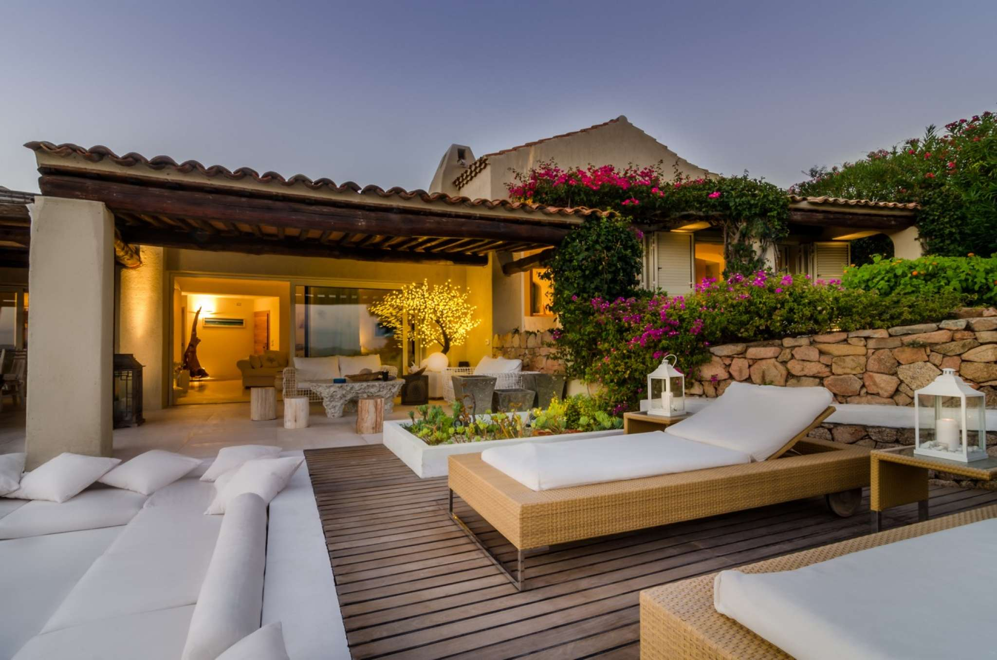 Dream villa a property for rent for 10 people on the for Arredi costa smeralda